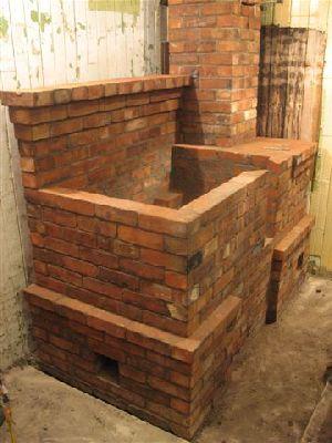 Внешняя кладка плиты на дровах окончена.